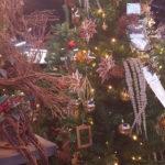 クリスマスツリーの飾りつけ もう始まっています❣