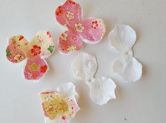 花をばらばらにして装飾
