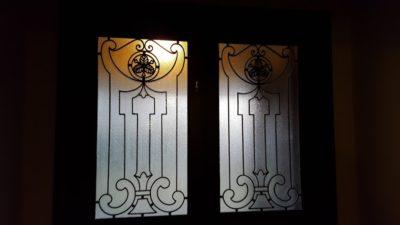 ドア飾りが美しい