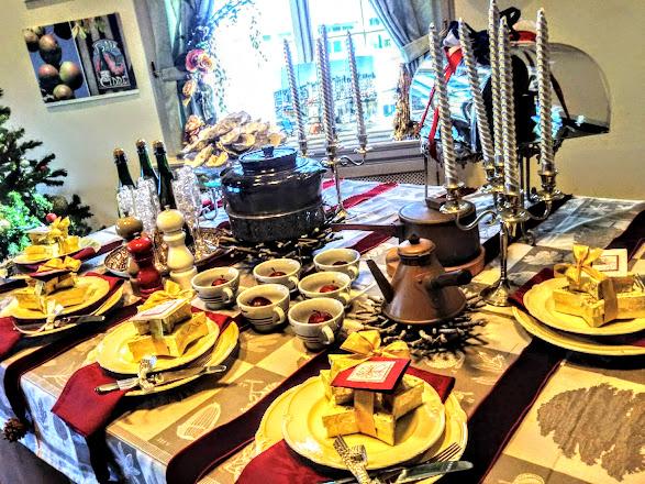 明るいクリスマステーブル