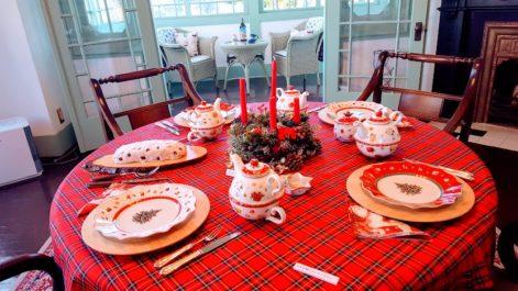クリスマスのレッド基調のテーブルコーディネート