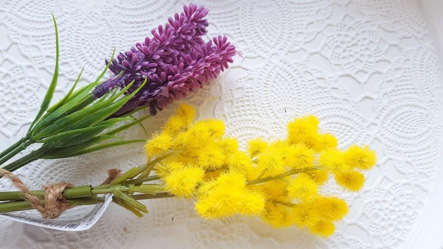 春の花 ラヴェンダーとミモザ