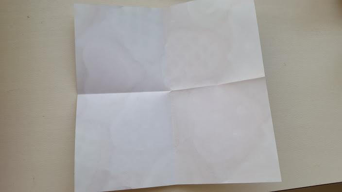 折り紙半分折り