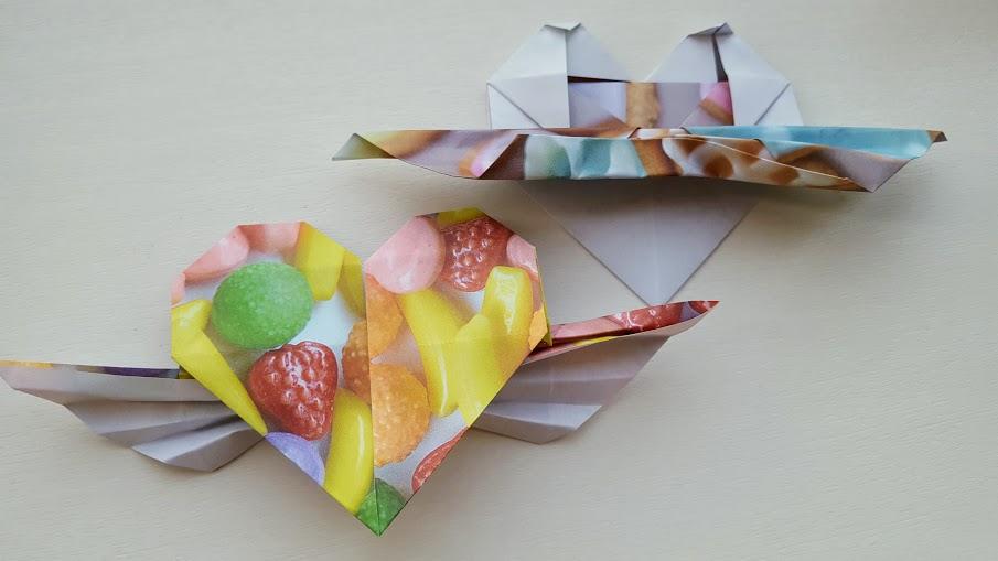 折り紙で羽根付きハート