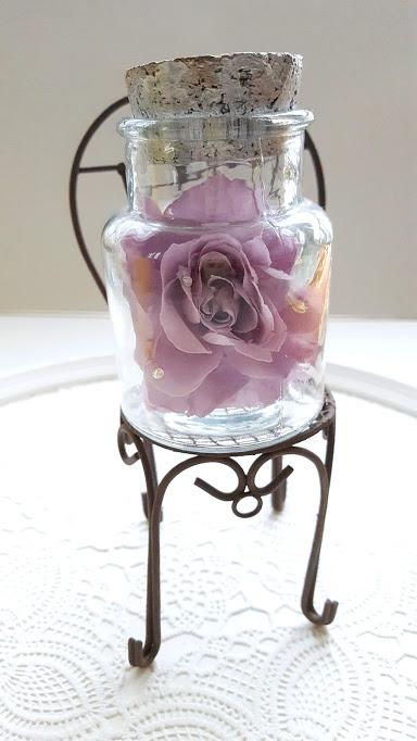ラインストーン付きの花弁