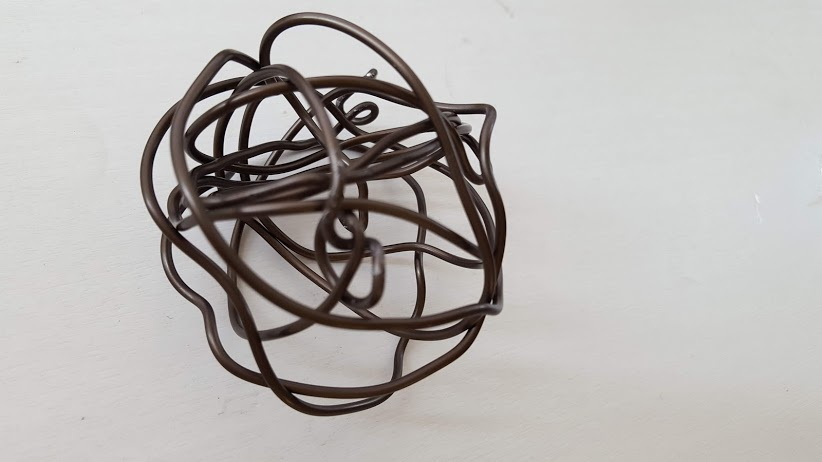 形を整えたアルミボール