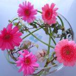 フラワーアレンジメント 簡単で安く少ない花でも作る方法があった!