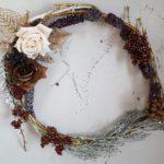 リース 秋のイメージで造花を使った作り方 リース台なしで簡単手作り