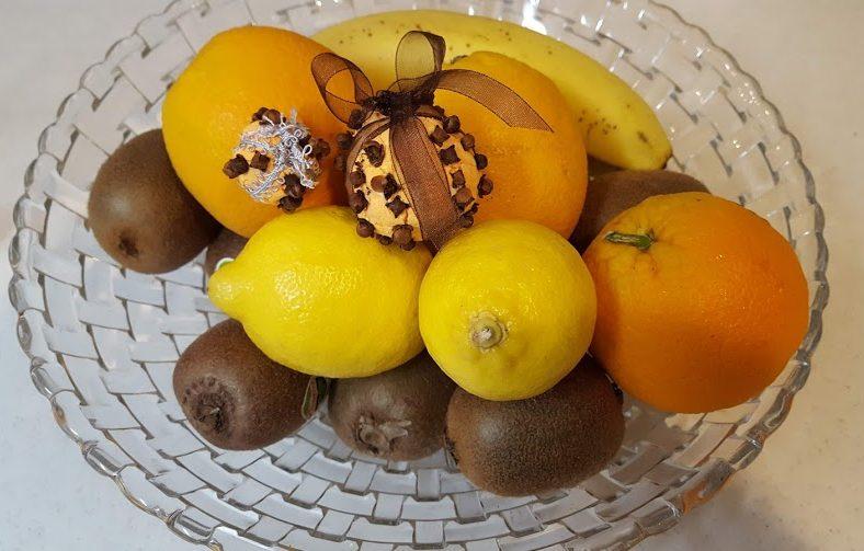 本物の果物となんちゃってオレンジポマンダー