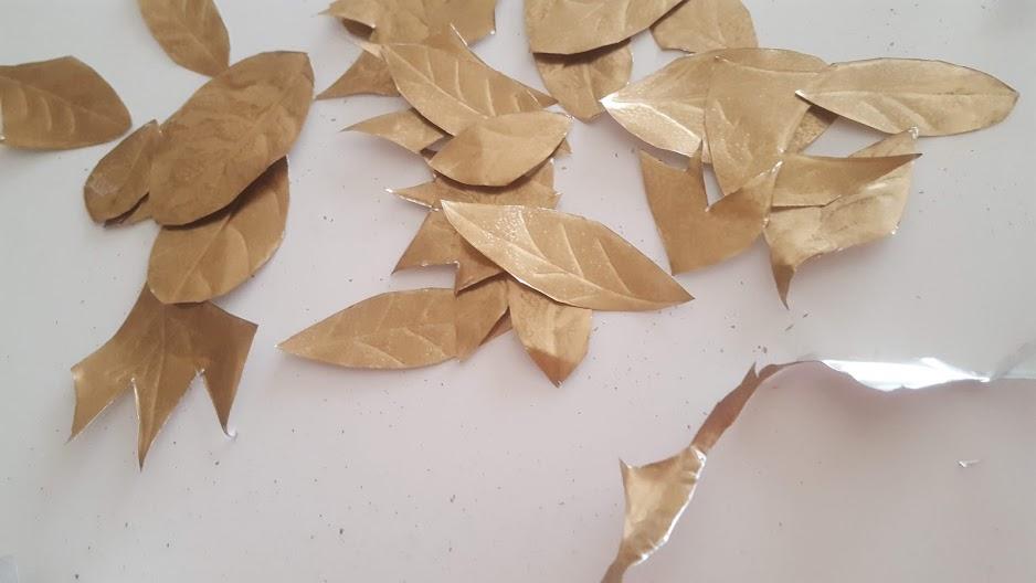 葉を切り取る