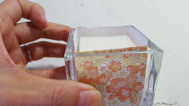 折り紙とフォームで作った土台