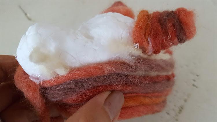 毛糸を巻き上げる