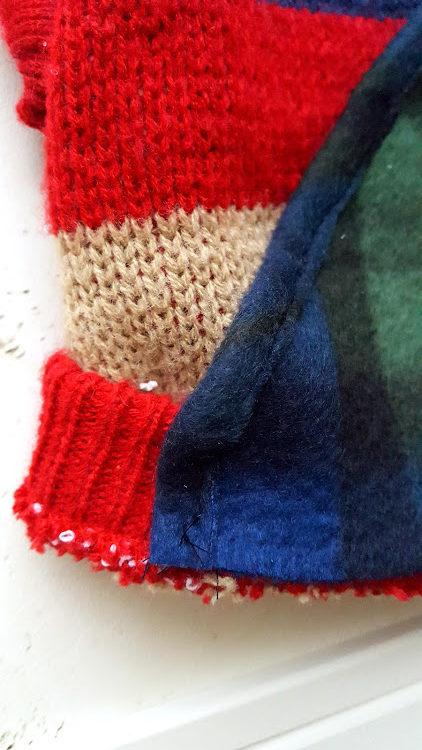 裾のリブ網の部分に縫い付ける