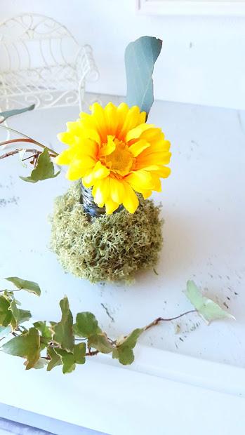 小さくなった花を生ける