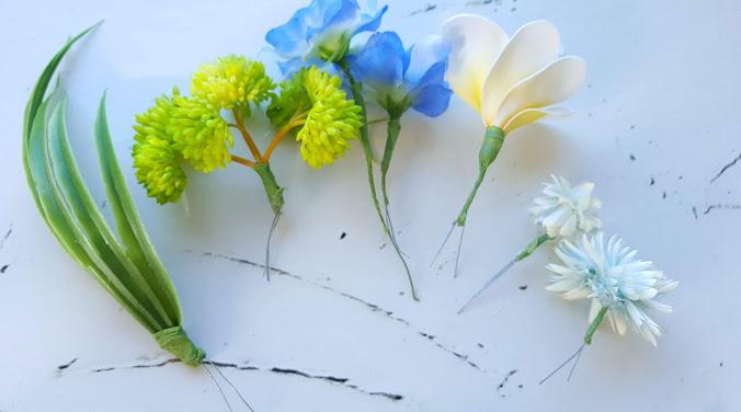 お花はツイスティングメソッドでワイヤリング